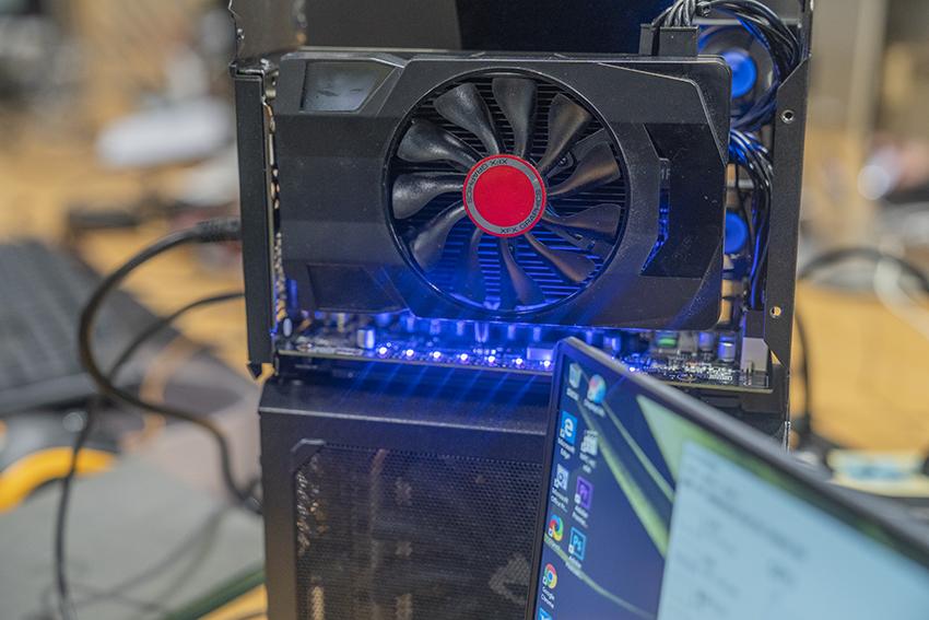 吟寻事儿:这可能是全球唯一一个AMD RX 560雷电3显卡坞