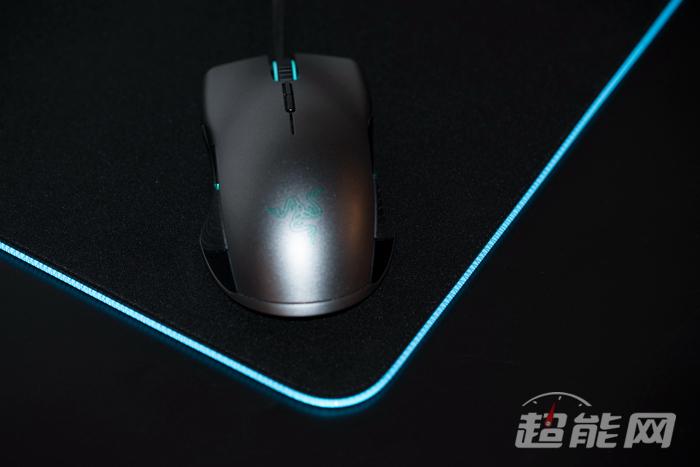 重装甲虫鼠标垫清洗_雷蛇重装甲虫幻彩版鼠标垫极速评测:RGB永不缺席 - 超能网